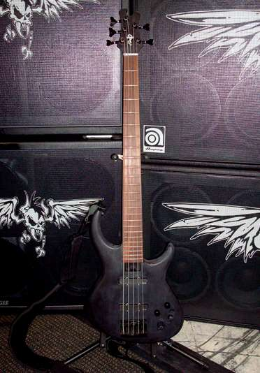 Robert Trujillo Bass